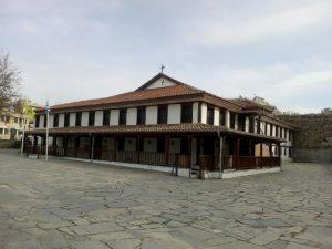 Ο Μητροπολιτικός ναός στη Κομοτηνή