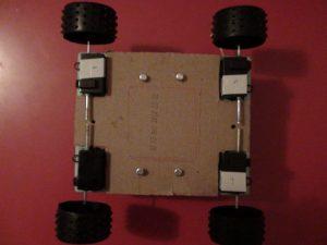 προσθήκη ξύλου για στοιβαρότητα - ιδιοκατασκευή τηλεκατευθυνόμενο αυτοκινητάκι