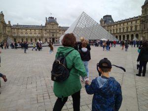 Το Μουσείο του Λούβρου στο Παρίσι